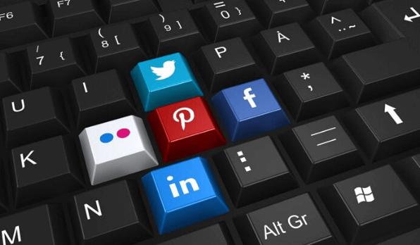 10 Effective Email marketing and social media integration Tactics