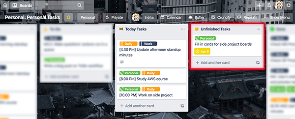 For every tasks that crossed its deadline, Trello shows an alarming red sign as a psychological trigger for user activation